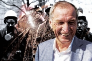 Gold dust: Oligarch Konstantin Strukov expands business at the expense of miners and budget
