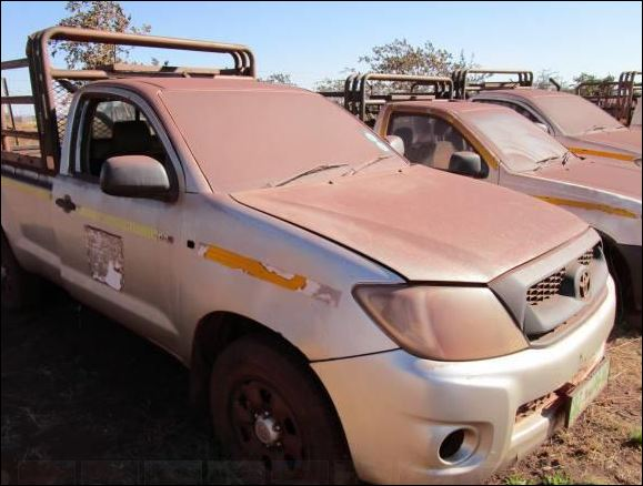 Toyota Hilux D4D 2 5 SRX Bakkie/LDV (Used) for Sale in South